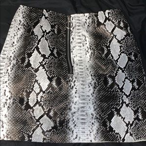 faux snake skin skirt size small